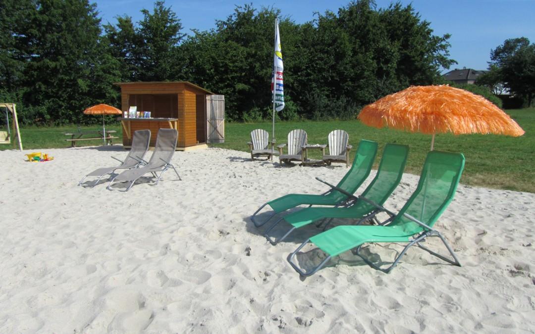 """Abschlussabend der """"Atempause im August"""" auf der Hüls: Grillfleisch, Getränke und ein letztes Mal Entspannung am """"Kevelaer-Beach"""""""
