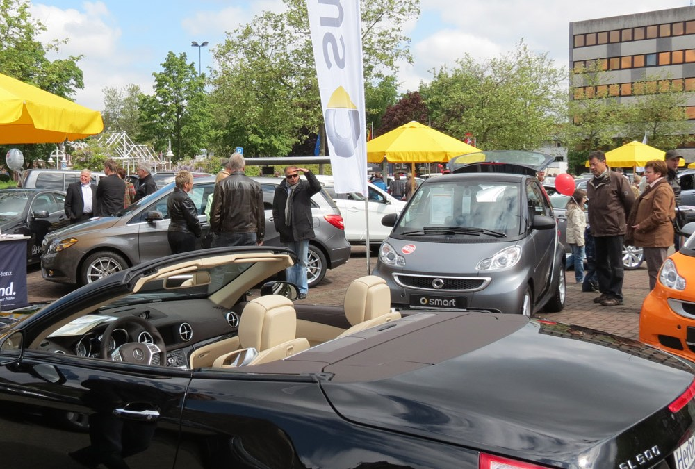 """""""Kevelaerer Autoschau"""" organisiert von  Autohäusern und Kevelaer Marketing"""