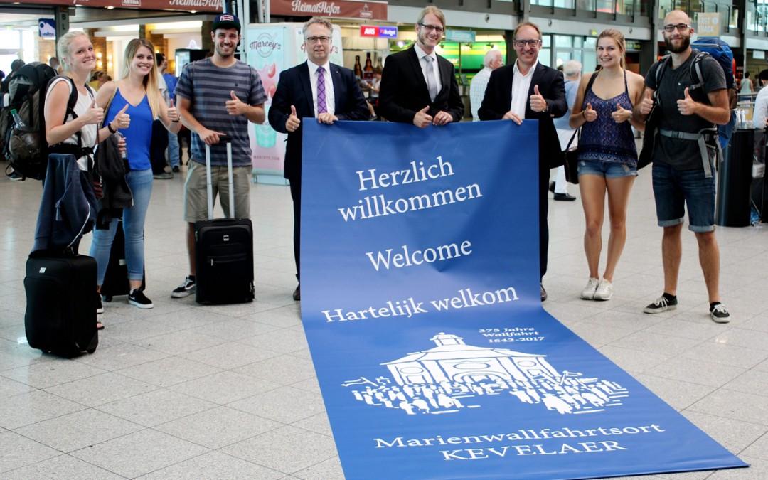 Marienwallfahrtsort heißt Fluggäste am Airport Weeze herzlich willkommen: