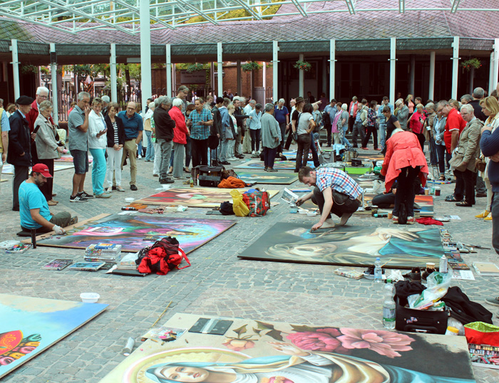 """1. Internationales Madonnari-Festival"" hinterlässt deutliche Spuren"