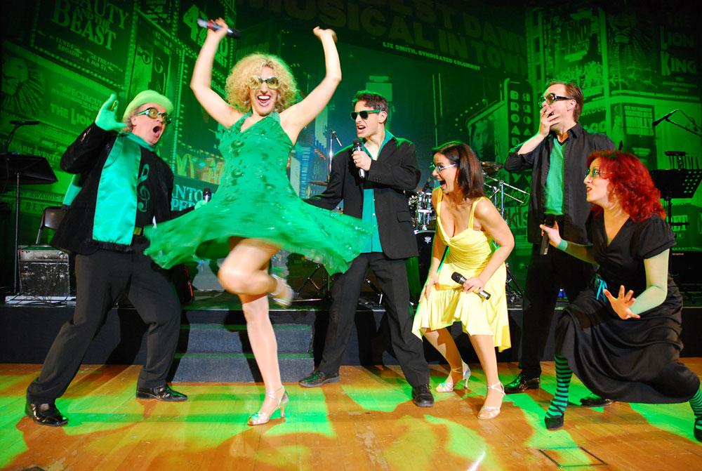 Gesang, Tanz, Schauspiel und Musik im Konzert- und Bühnenhaus:  Abwechslungsreiches Musical-Erlebnis als betriebliche Weihnachtsfeier