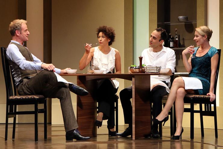 """Theaterstück """"Geächtet (Disgraced)"""" mit Markus Angenvorth setzt Maßstäbe"""