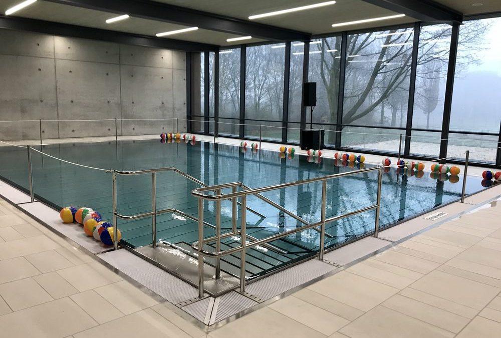 Feierliche Eröffnung des Mehrzweck- und Kursschwimmbeckens